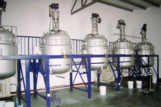 PVA涂布液生产车间8台反应釜